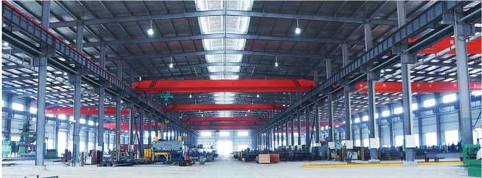 公司机构设有技术开发部、人力资源部、质量安全部和采购中心、项目、营销、制造管理中心等管理职能机构,覆盖了钢结构的全部领域,公司精于钢结构、管网架结构的设计、制作及安装,承建了大批各种用途钢结构建筑:钢结构车间、库房、体育场馆、飞机库房、汽车展厅等跨度超大、安全要求高、生产工期短、质量管控严的工程项目。产品已形成专业化、系统化、全面布局。经过十余年的发展,综合实力得到了充分的提高,积累了丰富的施工经验,聚集了一批高素质的经营管理人才和工程技术人才,以高效的施工管理、先进的生产机械装备,形成强大的管理优势和技